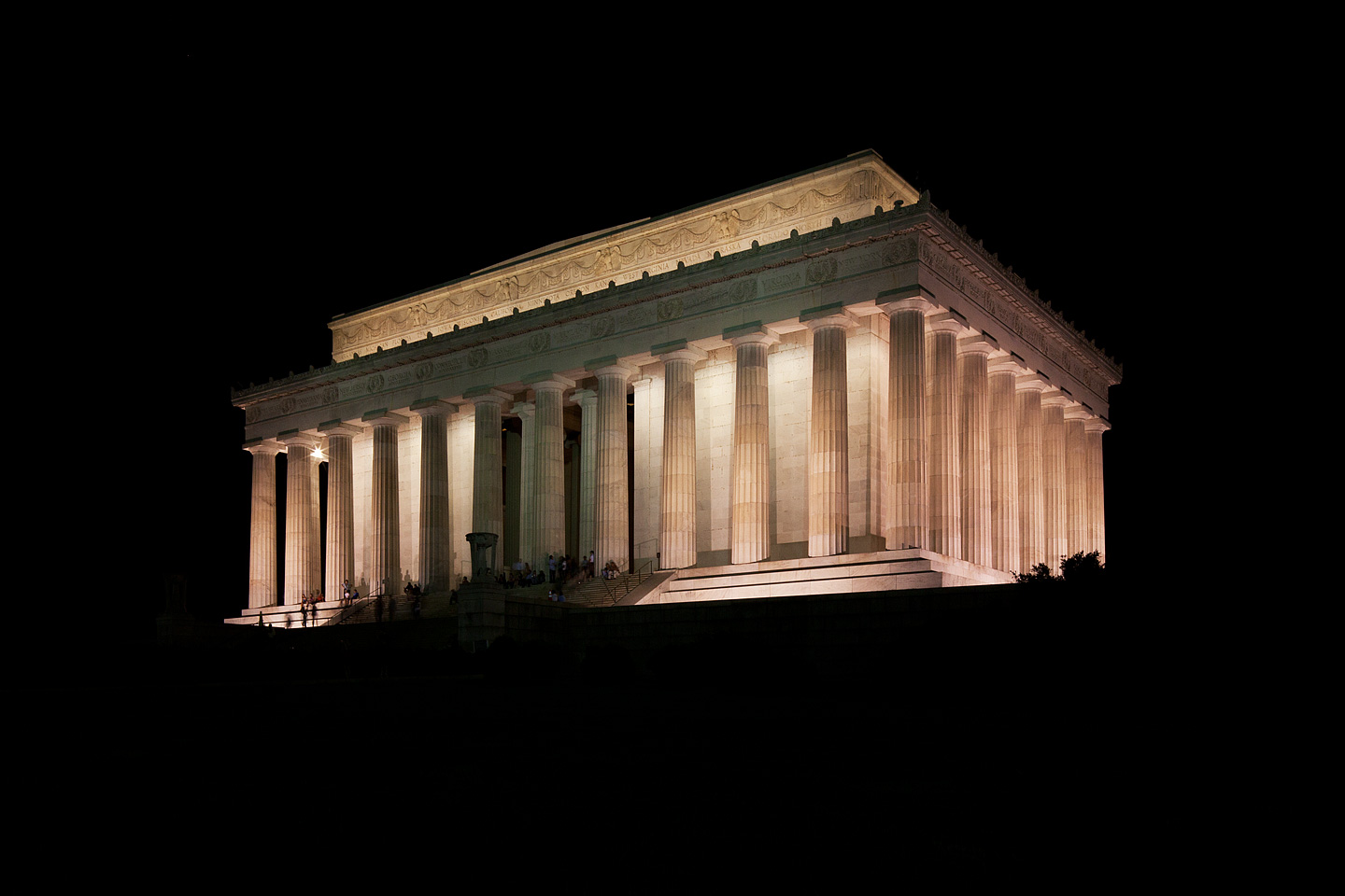 a corner perspective of the lincoln memorial in washington dc photographed at night by Jacob Rosenfeld