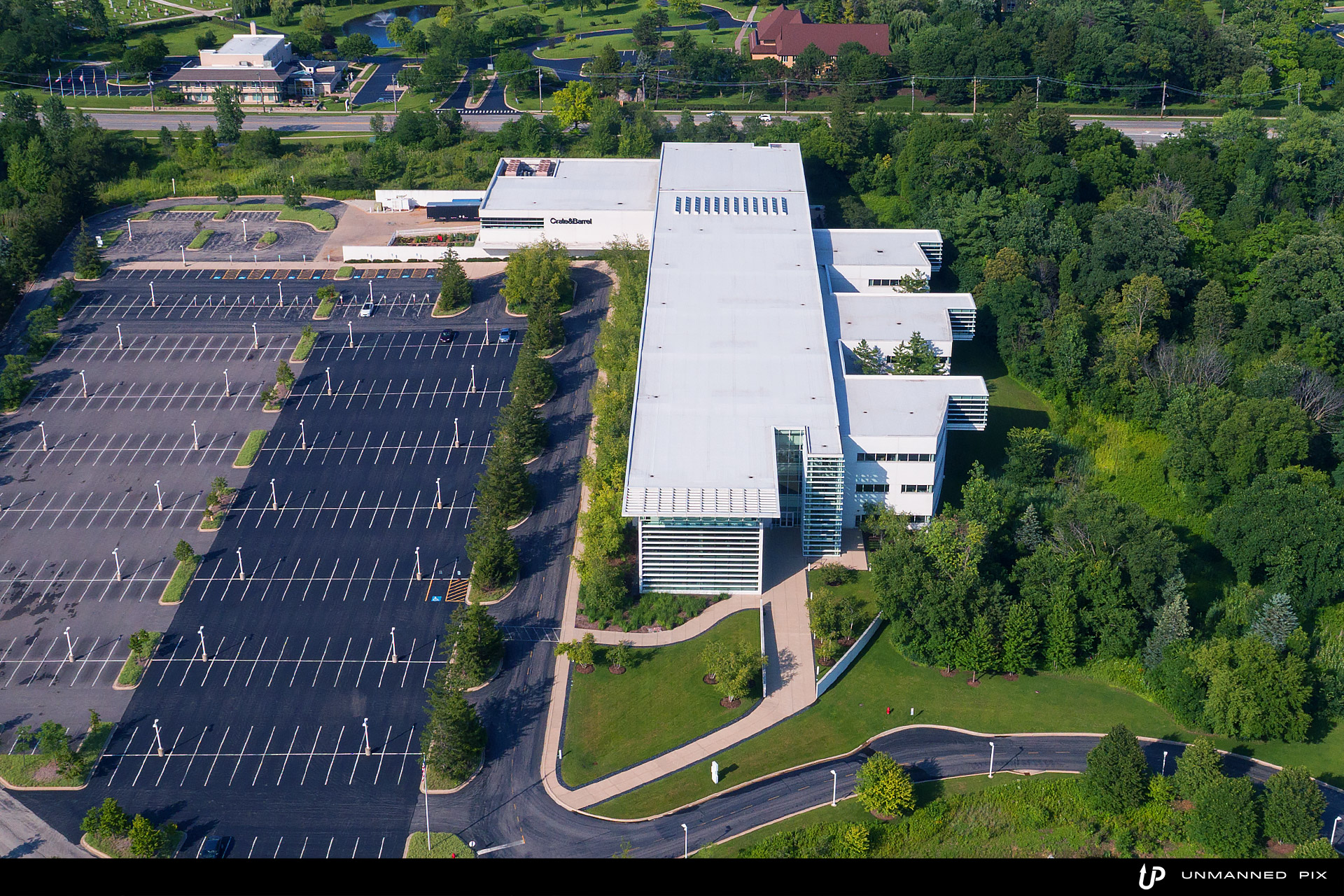 aerial view of crate & barrel headquarters, facing west, photographed by unmannedpix.com